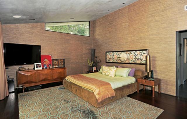 John Legeng Home in LA . Master Bedroom John Legend Los Angeles Home is for Sale John Legend Los Angeles Home is for Sale John Legeng Home in LA