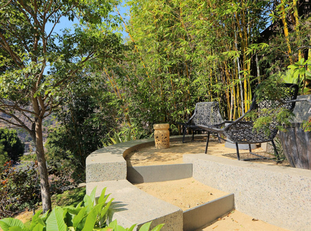 John Legeng Home in LA . Private Garden John Legend Los Angeles Home is for Sale John Legend Los Angeles Home is for Sale John Legeng Home in LA