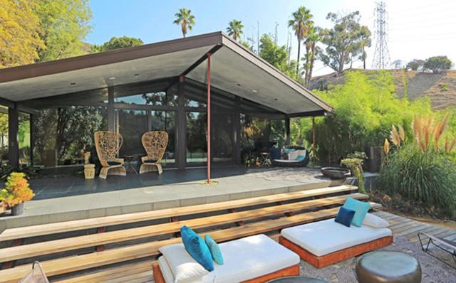 John Legeng Home in LA . Terrace John Legend Los Angeles Home is for Sale John Legend Los Angeles Home is for Sale John Legeng Home in LA