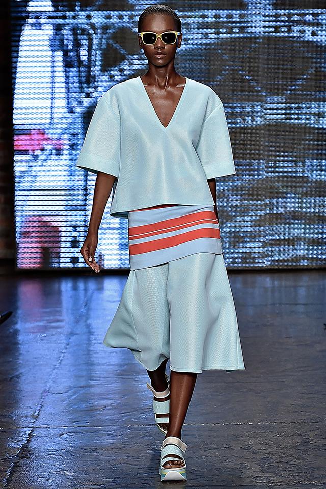 DKNY  Fashion Trend : colour blue New York Fashion Week Trends in Your Home New York Fashion Week Trends in Your Home NYFashion for home