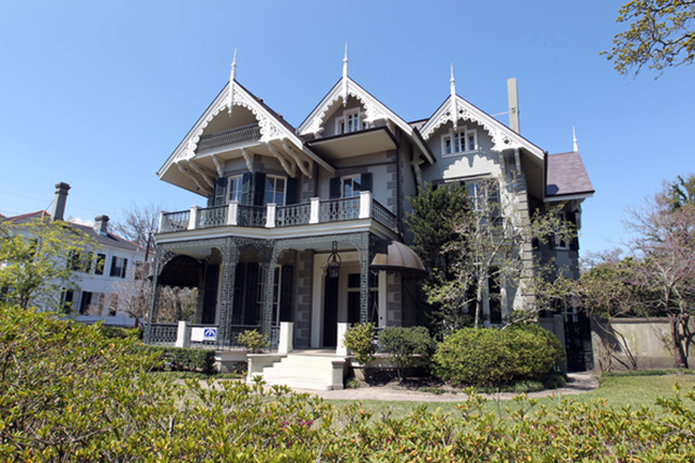 12. Sandra Bullock (New Orleans) celebrity homes The 50 most stunning celebrity homes in Los Angeles 12