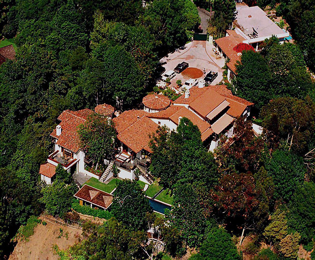 30. Kevin Costner (Hollywood Hills) celebrity homes The 50 most stunning celebrity homes in Los Angeles 30
