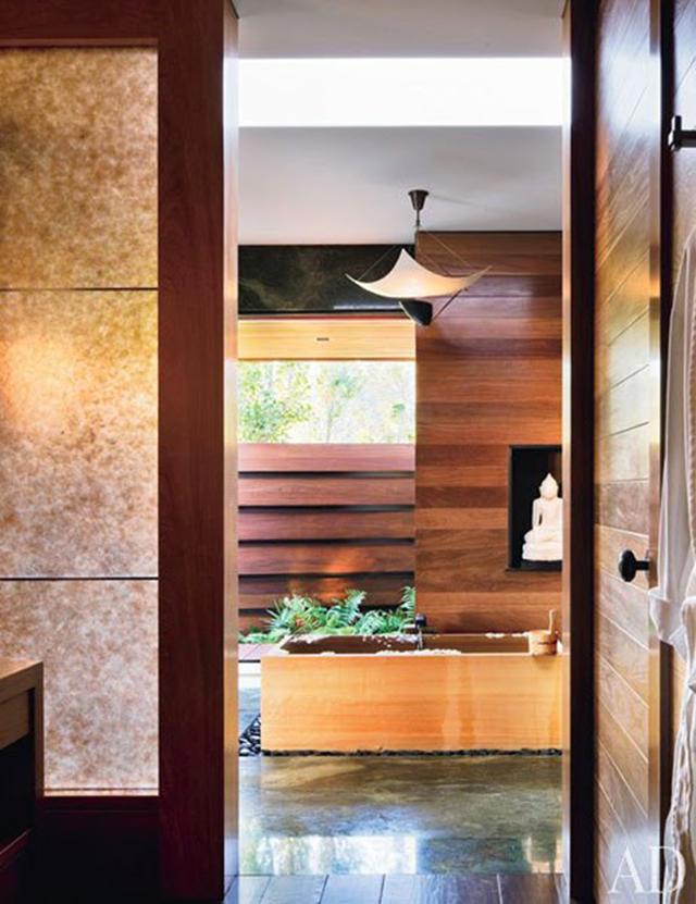 jennifer-aniston-beverly-hills-estate-master-bedroom-bathroom