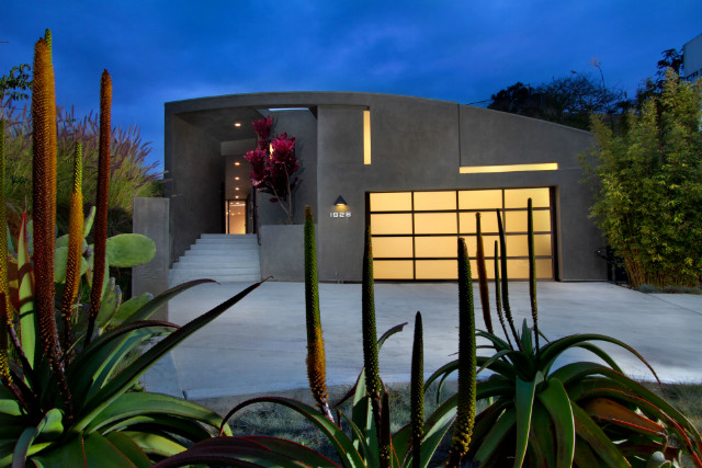 nowadays_los-angeles-suburbs-in-style