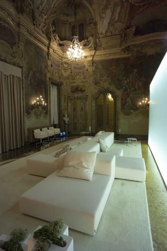 Living-Divani-by-Piero-Lissoni-Sofa-3 Top 25 contemporary  sofas for a Great Room Top 25 contemporary  sofas for a Great Room Living Divani by Piero Lissoni Sofa 3