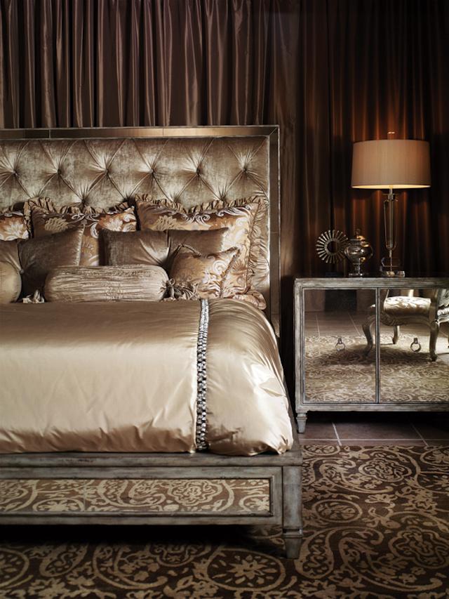 Modern-Classic-Nighstand-2 Top 20 modern design nightstands for a luxury bedroom Top 20 modern design nightstands for a luxury bedroom Modern Classic Nighstand 2