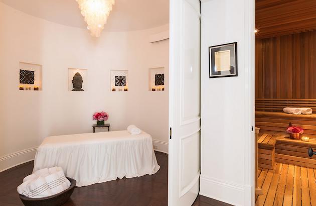 Gigi Hadid's Parents Selling Malibu Mansion11