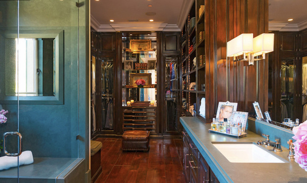 Gigi Hadid's Parents Selling Malibu Mansion12