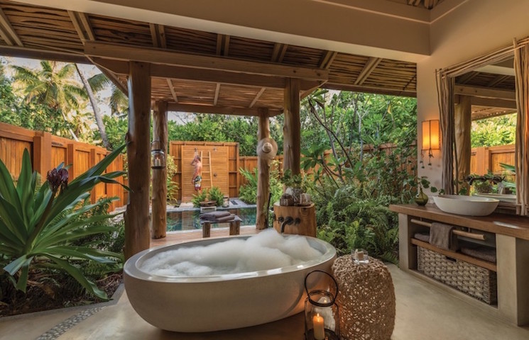 tropical bathrooms Astonishing tropical bathrooms ideas for your house in LA 10 Amazing Tropical Bath Ideas to Inspire You 4