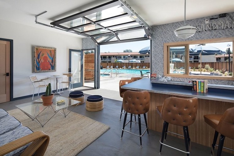 boutique hotel boutique hotel 4 reasons you should stay in a small boutique hotel in California Cali Hotels SandmanbyPaul20Dyer20