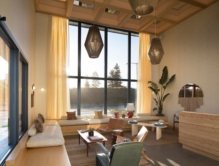 boutique hotel boutique hotel 4 reasons you should stay in a small boutique hotel in California Cali Hotels sandmanlobbybyPaul20Dyer20