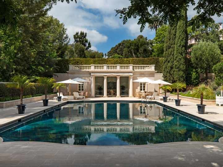 Gaze at Chartwell Estate, The Mesmerizing Mansion in L.A. chartwell estate Gaze at Chartwell Estate, The Mesmerizing Mansion in L.A. Observe the Marvelous Landscape Design of a 245M Los Angeles Mansion 5