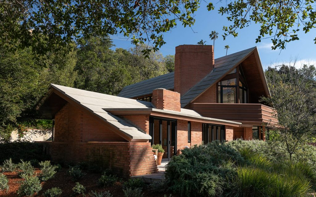 Frank Lloyd Wright's Amazing Newman Residence Is For Sale lloyd wright Frank Lloyd Wright's Amazing Newman Residence Is For Sale K5wQZDXbwJRs8oIF 1024x640