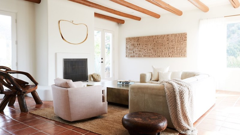 Pueblo Revival Trend On A Luxurious Santa Barbara Home