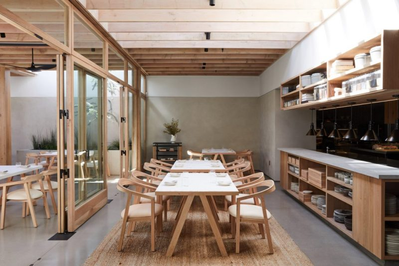 Auburn Is The New Restaurant In The Famous LA's Melrose Avenue auburn Auburn Is The New Restaurant In The Famous LA's Melrose Avenue auburn melrose place los angeles restaurant oonagh ryan klein agency dezeen 2364 col 5 e1556550994989