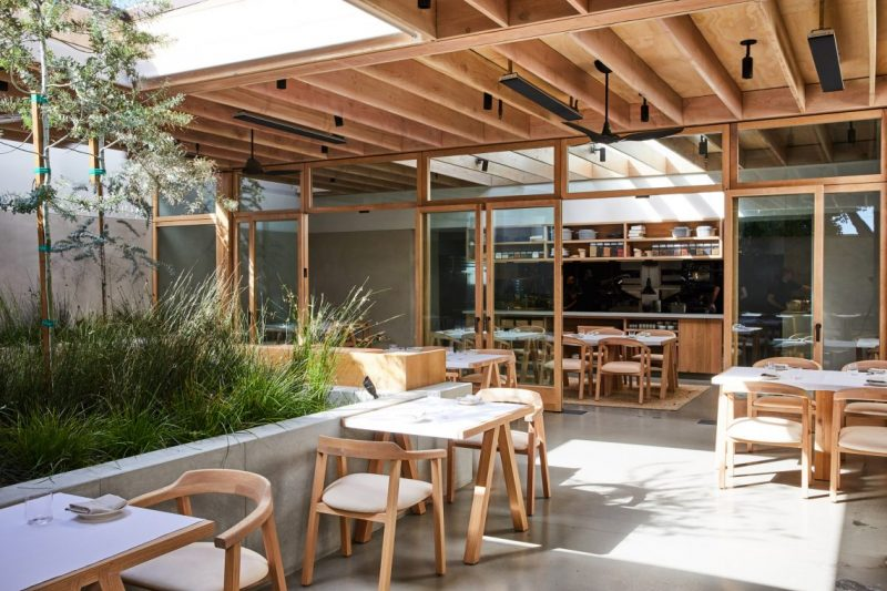 Auburn Is The New Restaurant In The Famous LA's Melrose Avenue auburn Auburn Is The New Restaurant In The Famous LA's Melrose Avenue auburn melrose place los angeles restaurant oonagh ryan klein agency dezeen 2364 col 6 e1556551101657