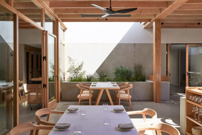 Auburn Is The New Restaurant In The Famous LA's Melrose Avenue auburn Auburn Is The New Restaurant In The Famous LA's Melrose Avenue auburn melrose place los angeles restaurant oonagh ryan klein agency dezeen 2364 col 7 e1556551078280